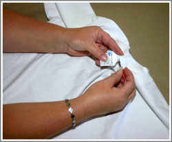 Relabelling t shirts tagless customized tees at for T shirt tags wholesale